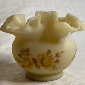 Vintage Fenton custard satin art glass ruffled top